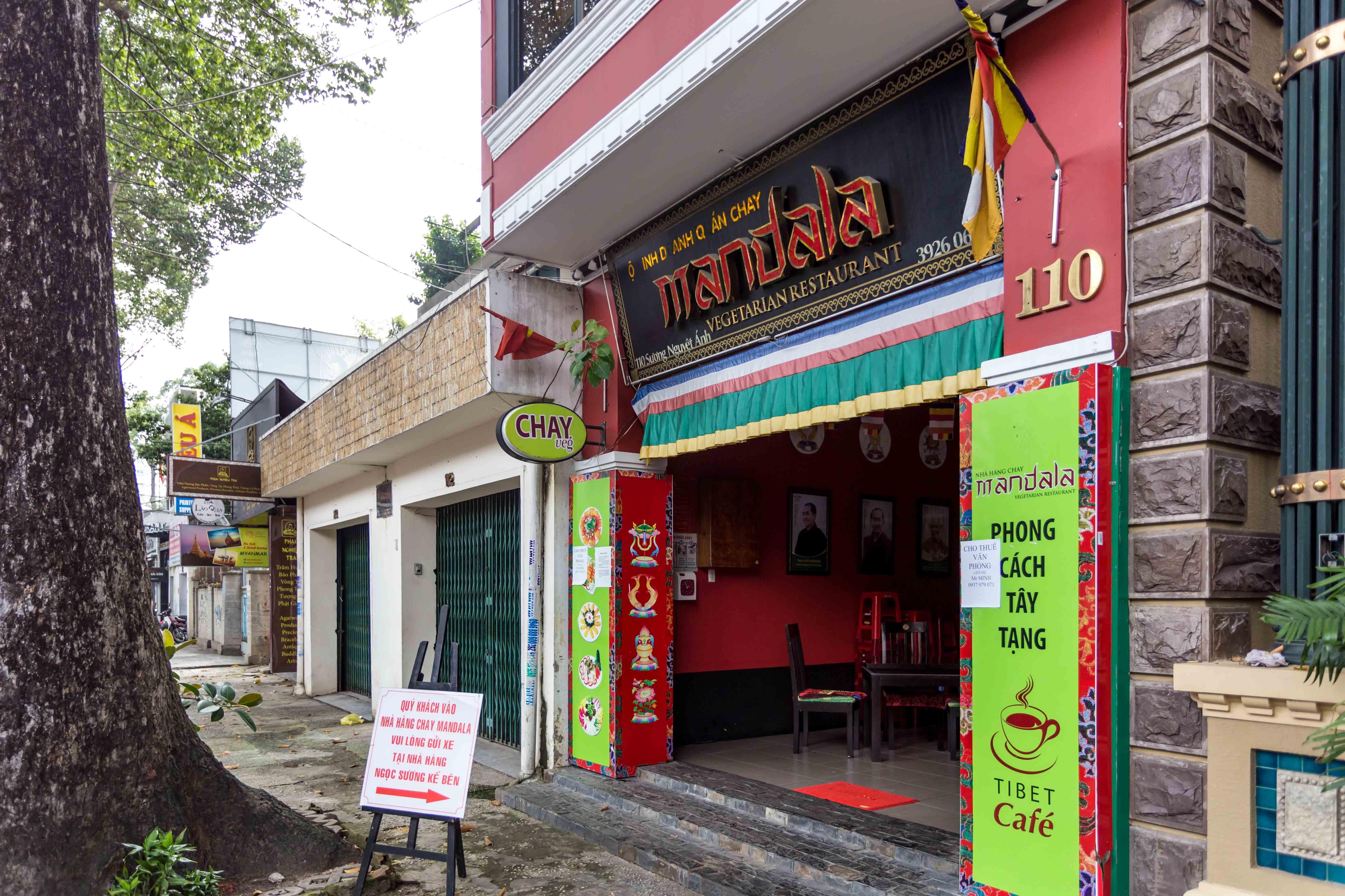 where to eat vegetarian food near me ho chi minh city