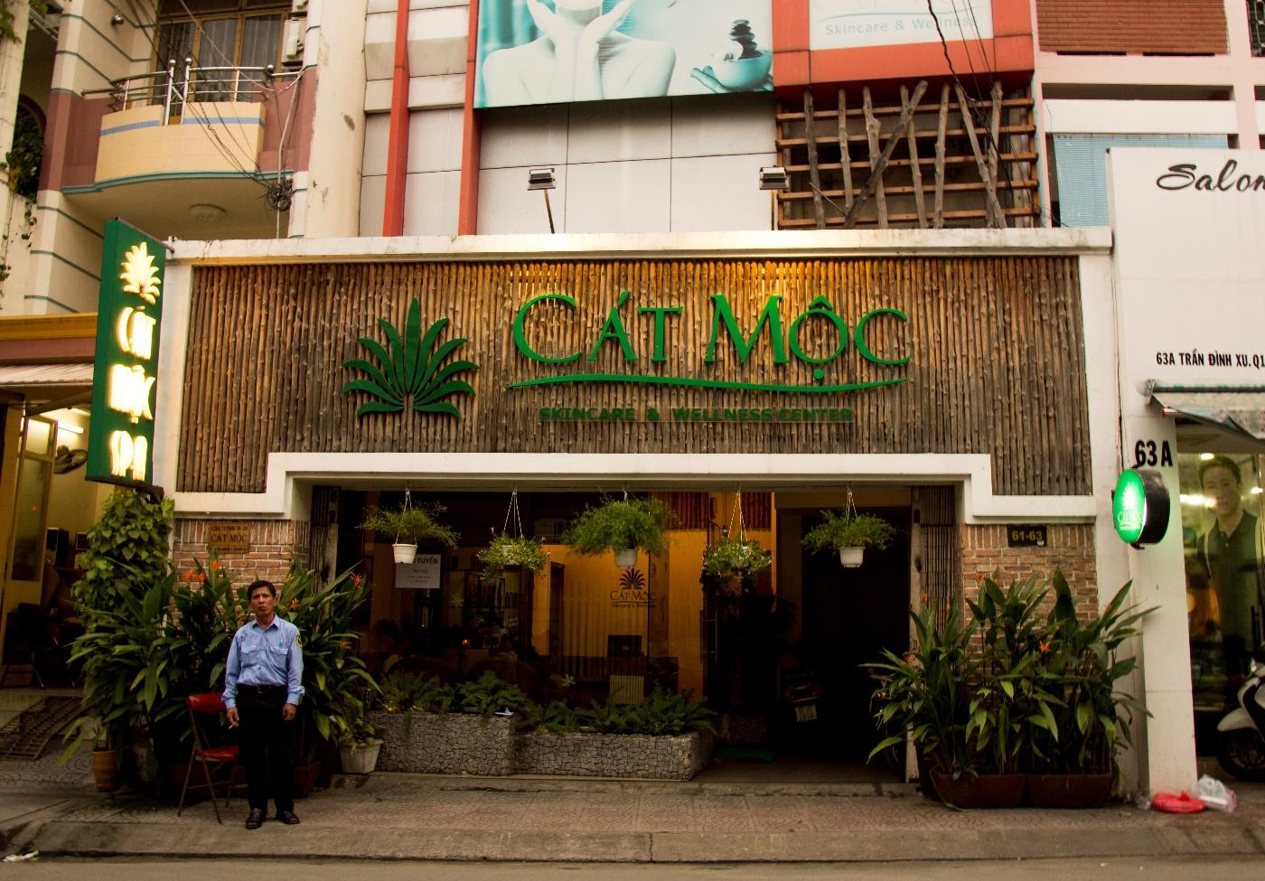 best deep tissue massage spas in Saigon