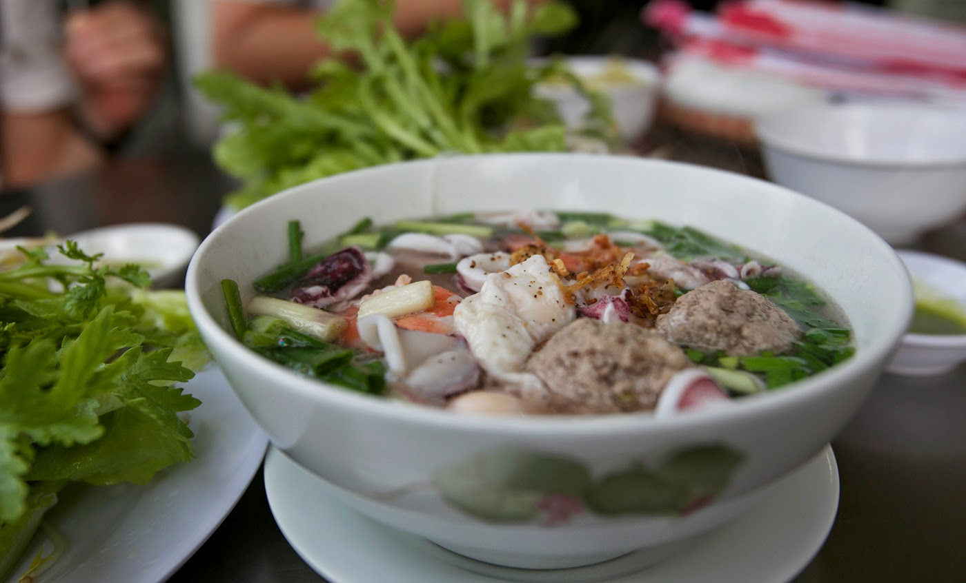 where to eat hu tieu hanoi