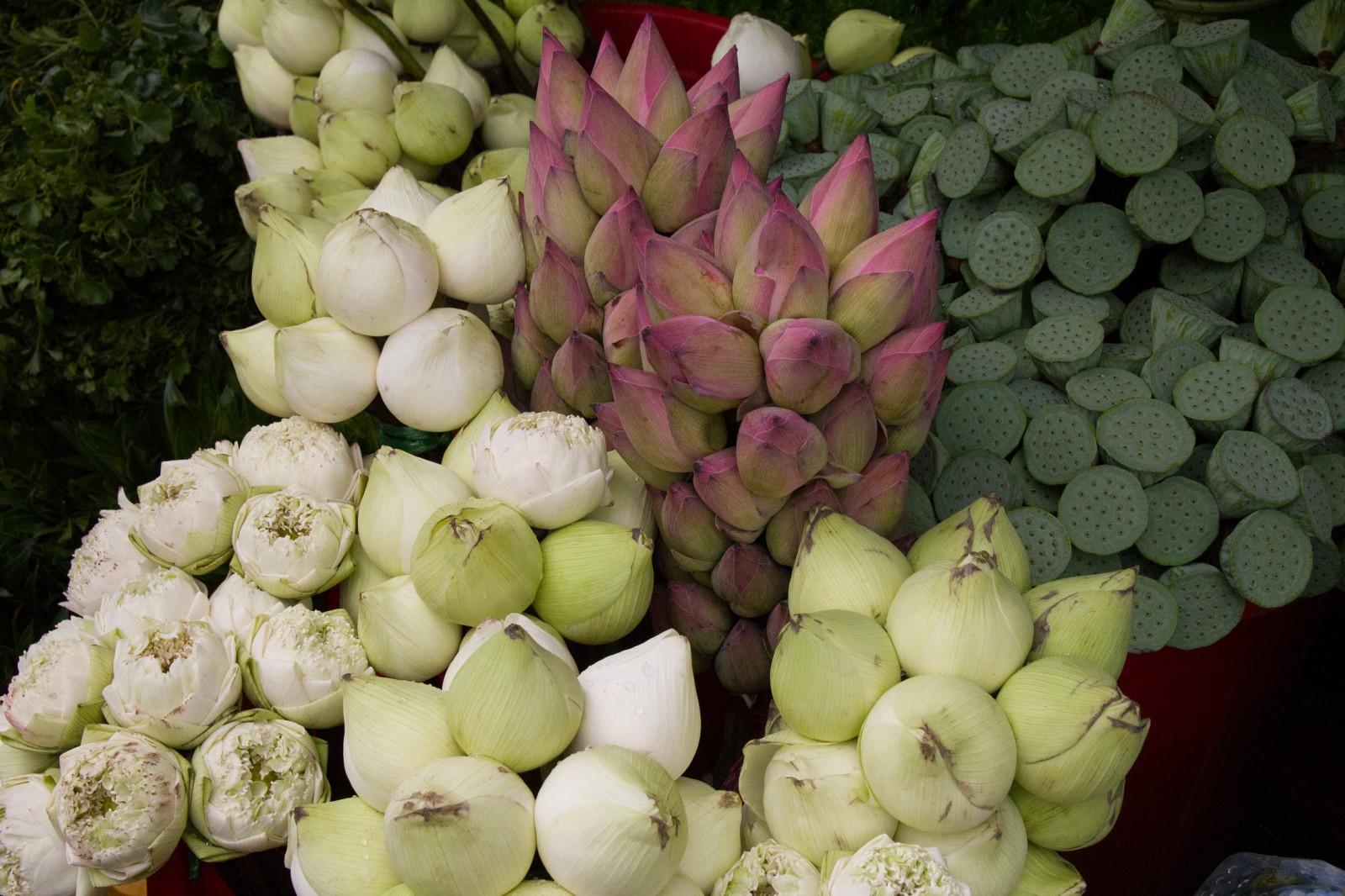 cambodian market saigon ho chi minh city