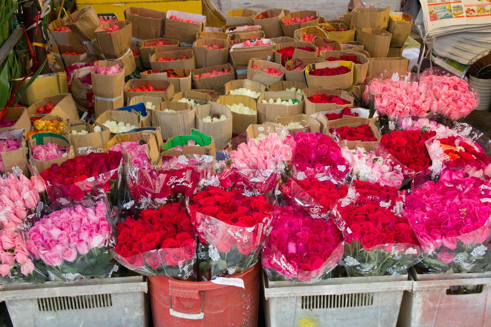 how to get to ho thi ky flower market saigon