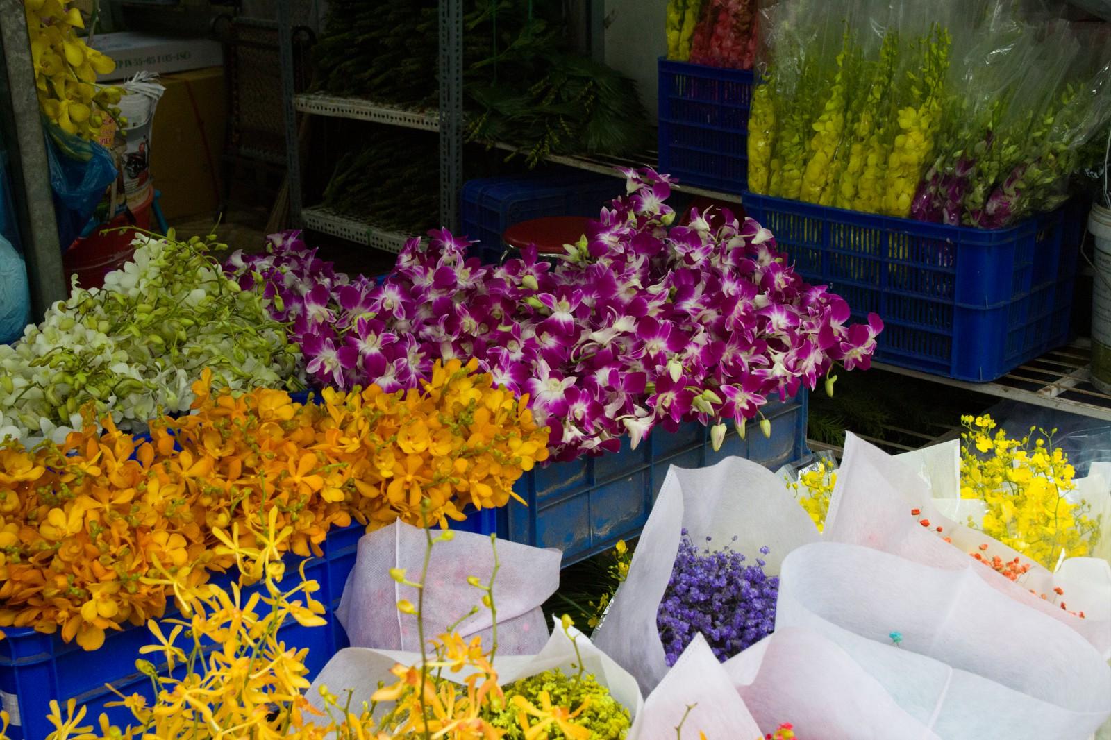 orchids roses dandelions sunflowers lilies saigon